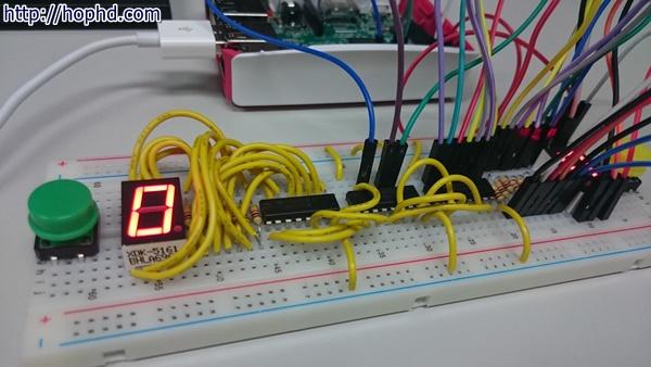Raspberry Pi 使用3個GPIO輸出,控制2個7段顯示器